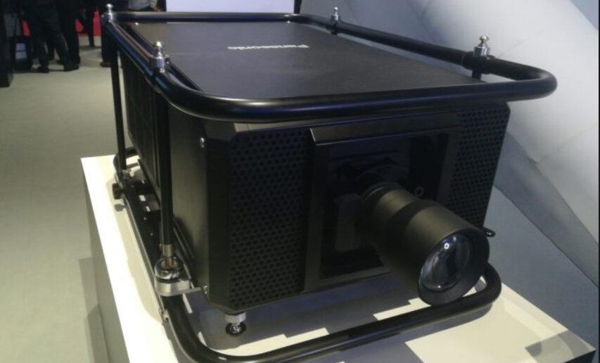 Panasonic viser 50.000 Lumen projektor frem på ISE2019
