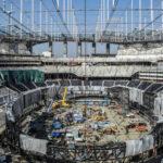 Stor stadion får meget stor skærm